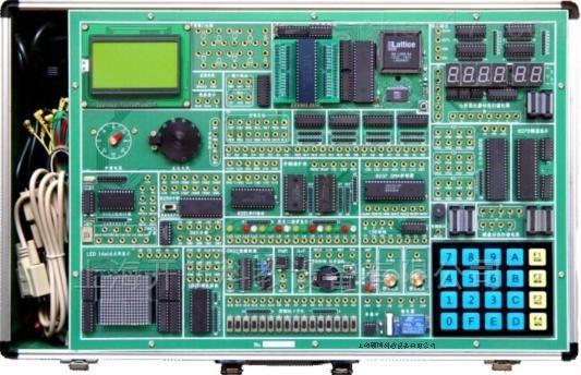 16位8086/8088 CPU模块   MCS-51 CPU模块      MCS-96 CPU模块 一、硬件概述 是升级换代产品,沿用多核架构技术,全面支持16位微机原理与接口技术、单片机系统的开发与实验,具有较强的通用性,为原理与接口技术的教学构建了一个全开放、可开发的实验环境。 二、软件概述 支持汇编语言和C语言的源程序级编程与调试,支持寄存器、内存和外设接口芯片的非编程读写操作,支持X86程序的INT 21h功能调用,满足实模式和保护模式下微机原理与接口的实验需求。 三、开放特性 采用双核架