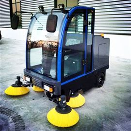 BW8上海電動掃地機 電動駕駛式掃地車