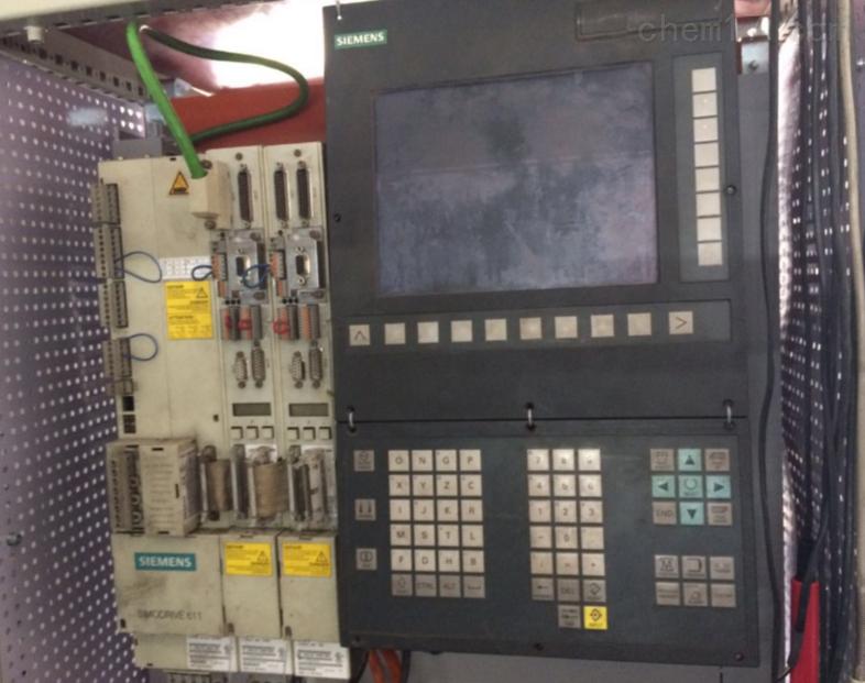 西门子802D系统面板黑屏无显示德系机床维修