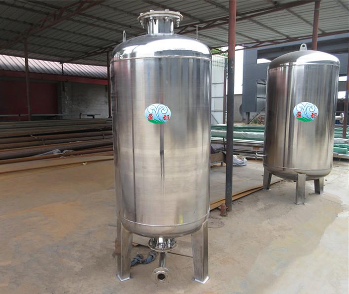 如消防气压给水设备主要由消防主泵,稳压泵,消防稳压罐,压力传感装置图片
