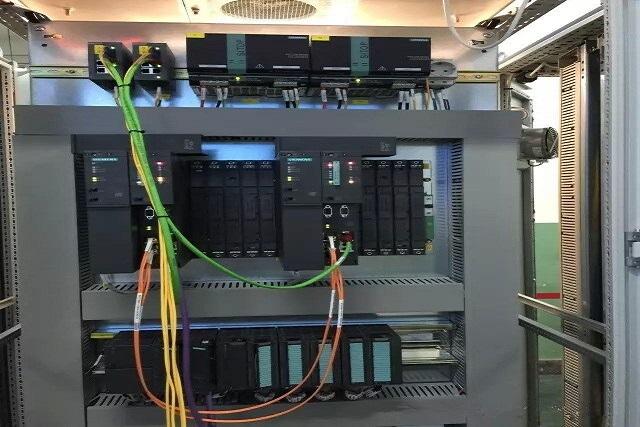 西门子S7-300系列还有以下产品均有现货,如有需要请确认订货号;欢迎选购;谢谢!!!! 订货号; 产品说明; S7-300CPU 6ES7312-1AE14-0AB0 CPU 312 带有MPI接口,集成24 V DC 电源,32 K 工作存储区,必须有MMC卡 6ES7312-5BF04-0AB0 CPU 312C,24 V DC 电源,64 KB工作存储区,前连接器(1X 40 针)需要MMC卡 6ES7313-5BG04-0AB0 CPU 313C, 24 V DC 电源,128 KB工作存储区,
